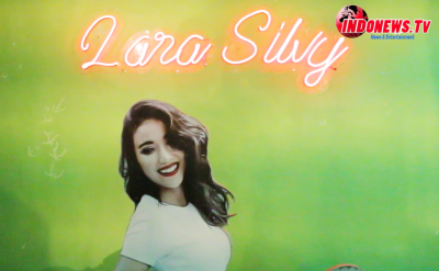 , Penyanyi Lara Silfy Launching Caffe Shop Lara di Sidoarjo,